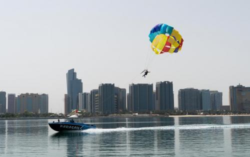 Abu Dhabi Parasailing (17)